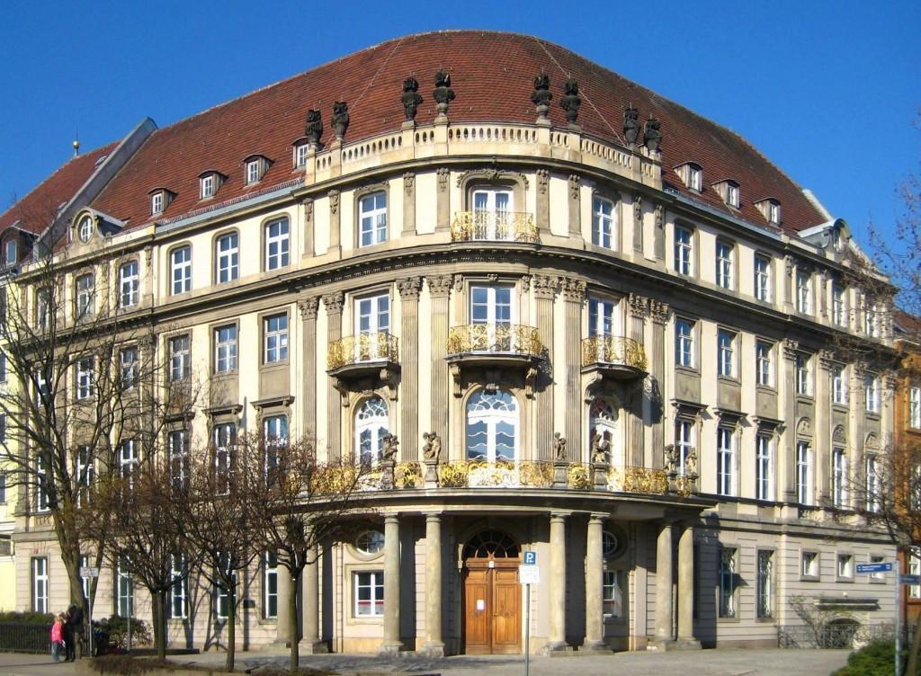 גרמניה מרוויחה מקרקעות ששוות זהב בברלין