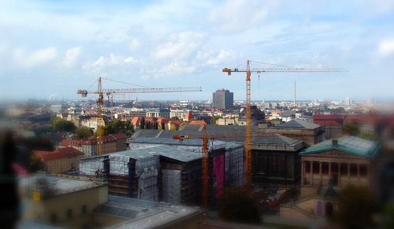מדוע הבנייה של דירות חדשות בברלין אינה מתקדמת בקצב הראוי