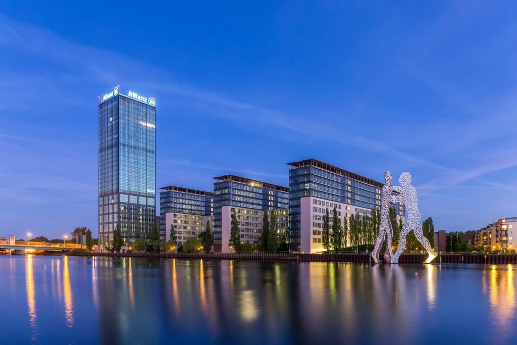 Die Treptowers sind ein Gebäudekomplex mit einem markanten Hochhaus im Ortsteil Alt-Treptow von Berlin. Sie wurden 1998 fertiggestellt und stehen direkt an der Spree.