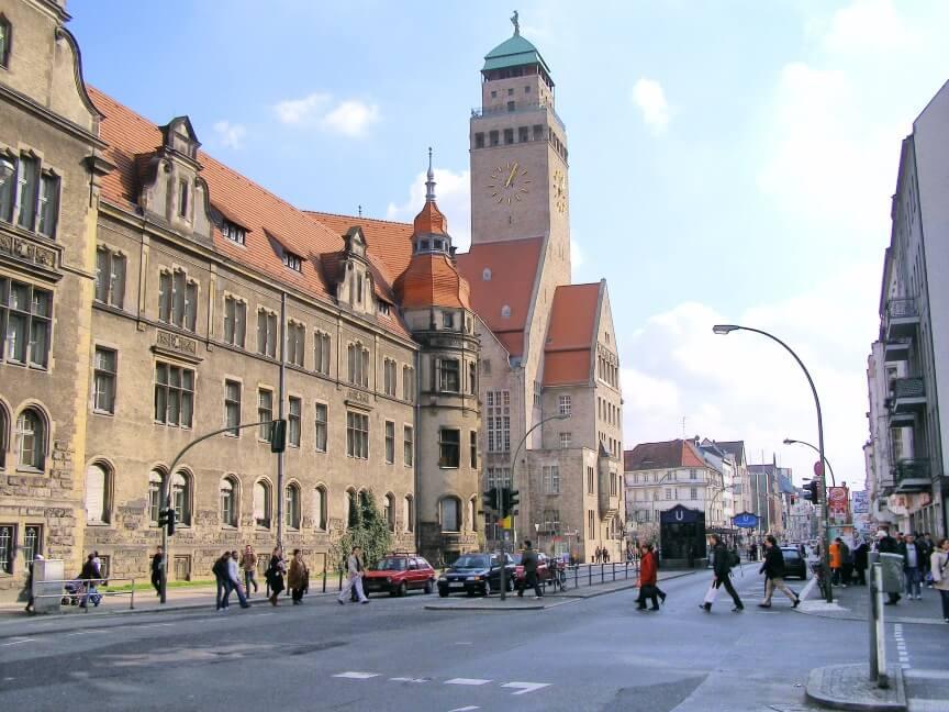 נדלן משרדי - ברלין עודנה עשירה וסקסית