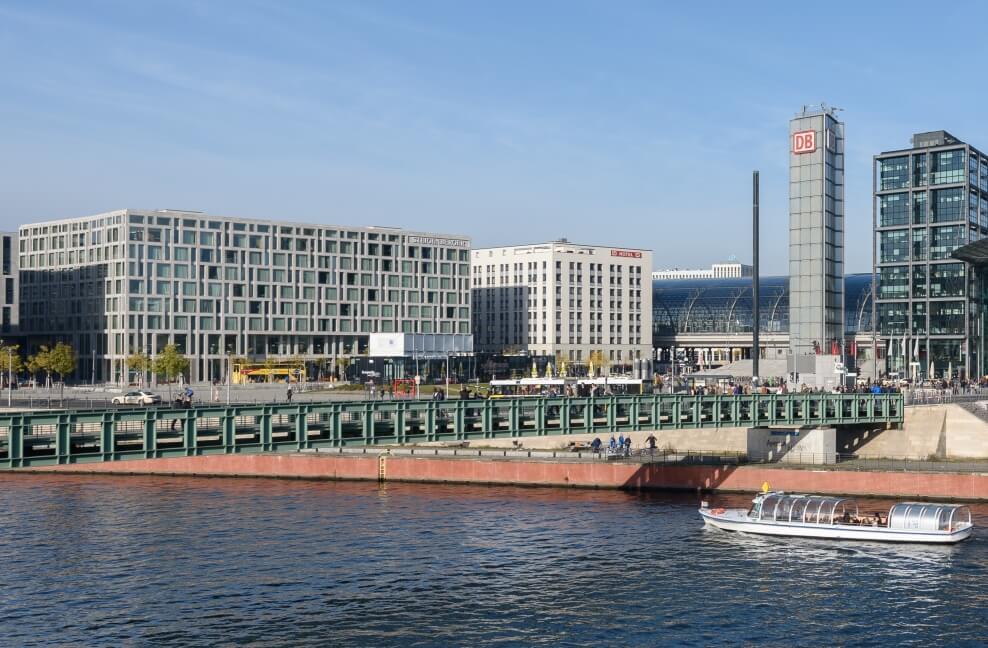 הדויטשה בנק חוזה פריחה רב שנתית מתמשכת לברלין