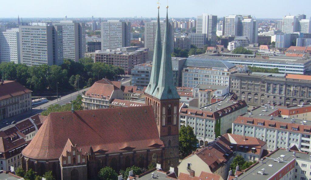 האיזורים הפריפריאליים של בירת גרמניה נעים אל קדמת הבמה