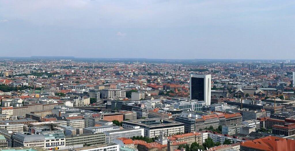המומחה סשה קלופ מדיניות הבנייה של ברלין חייבת לקבל תאוצה - דירות בברלין הם מצרך מבוקש מאוד
